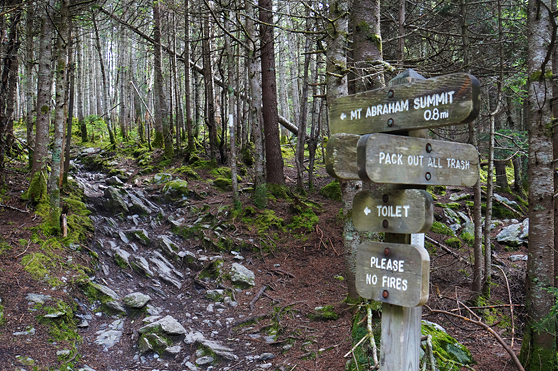 long trail mount abraham vermont 4000 footers trail battell shelter sign