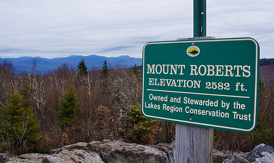 hike mount roberts trail summit sign castle in the clouds roberts mountain nh 52 with a view